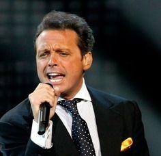 Luis Miguel vuelve a cancelar concierto en el Auditorio