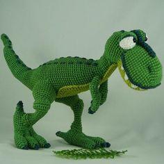 T-mo der T-rex - jetzt auch auf Deutsch :) T-mothy the T-rex - now also available in German :). Schöne Zeit beim Häkeln!
