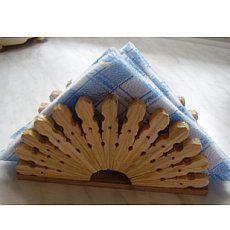 Vyrob si sama - Stojánek na ubrousky a podložka pod hrnce z dřevěných kolíčků - Chytrá žena