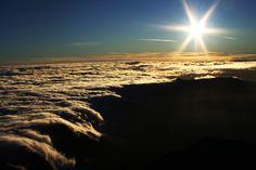 cascadas de nubes, volcan Acatenango Guatemala, J. Ruata