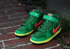 Nike SB Dunk Mid - Lucky Green/Fortress Green-Atomic Red