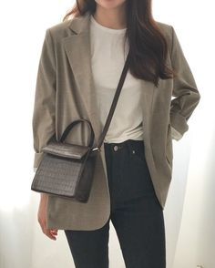 From J : 네이버 블로그 Source by changs_murmur work office di 2020 Korean Girl Fashion, Korean Fashion Trends, Korean Street Fashion, Fashion Styles, Cute Casual Outfits, Simple Outfits, Fall Outfits, Fashion Outfits, Fashion Men