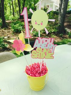 Hey, I found this really awesome Etsy listing at https://www.etsy.com/listing/234019212/sunshine-party-centerpiece
