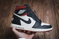 Purchase air jordan 1 nrg og high not for resalevarsity red 861428 106 For newbies Jordan Shoes For Women, Nike Air Max For Women, Casual Sneakers, Sneakers Fashion, Cheap Sneakers Online, Converse Shoes Outfit, Yeezy Boots, Jordan Yeezy, Jordan 1 High Og