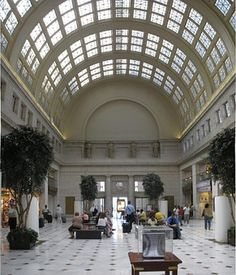 Union Station is A superbly restored historic, mixed-use, intermodal transportation and shopping center located just blocks from the U. Washington Dc With Kids, Washington Dc Travel, Union Station, Barack Obama, Washington Dc Restaurants, Chicago, By Train, Architecture, Travel Photos