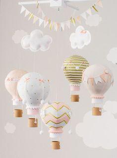 Air chaud ballon bébé Mobile fard à joues rose par sunshineandvodka
