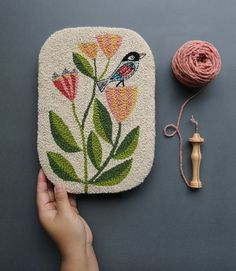 July Punch Needle Rug Hooking + Wall Art Workshop with Bookhou – PoketoYou can find Rug hooking and more on our website. Silk Ribbon Embroidery, Embroidery Art, Embroidery Stitches, Embroidery Patterns, Border Embroidery, Hand Embroidery Tutorial, Flower Embroidery, Bordados Tambour, Couture Main