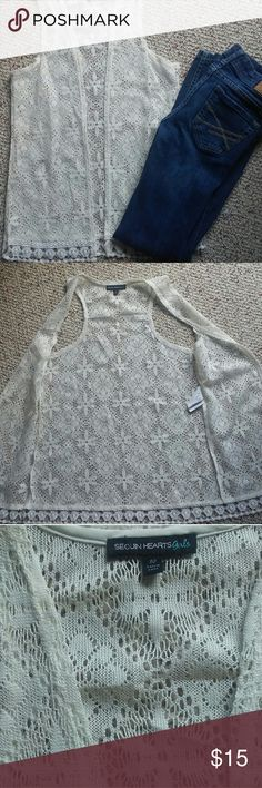 Beautiful Fall vest Excellent condition. I think my daughter wore this once looks new with no picks or stains! Accepting reasonable offers! Shirts & Tops