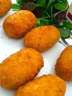 This croquetas de jamón y papas recipe will make your mouth water!!!!