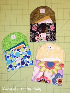 Easy DIY project to create a credit card holder with one piece of cloth