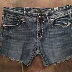 MISS ME Jean Shorts. Size 30 Super Cute Loved MISS ME  cutoff Jean Shorts.  Professionally Stitched inseam (not noticeable when wearing). Size 30. Gorgeous back pocket  design Miss Me Shorts Jean Shorts