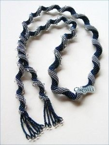 Indespiral. Bead woven necklace by Carmilla