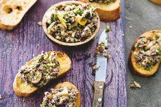 40  Bruschette met paddenstoelentapenade.jpg,  Knapperig en kruidig mediterraan hapje voor bij de borrel, of als voorgerecht  De lekkerste resultaten voor paddenstoelenmelange