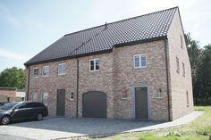 Landelijke sleutel-op-de-deur nieuwbouw woningen met oprit, garage, terras en ruime tuin. Fotografie: www.kingsberry.be
