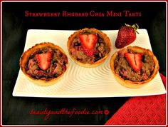Strawberry Rhubarb Paleo Mini Tarts, paleo and low carb versions / beautyandthefoodie.com