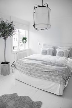 40 Minimalist Bedroom Ideas | Cozy White Bedroom