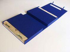 Julie Auzillon – Double boite pour livres jumeaux, inspirée des coffrets traditionnels japonais. Boite de conservation contemporaine pour livres anciens.