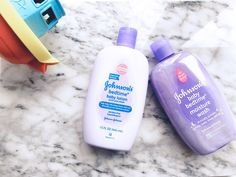 A NEW MOM'S GUIDE TO CREATING A BEDTIME ROUTINE FOR BABY @JOHNSONSBABY. A bedtime routine is the only thing that helped keep me sane during the first few months of motherhood. Bedtime Routine Baby, Baby Bedtime, Baby Sleep, Baby Lotion, Baby Health, Baby Milestones, New Moms, Blog, Maternity