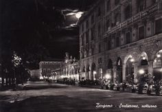 Sentierone notturno - Bergamo http://www.bergamovintage.it/bergamo-antica/cartoline/sentierone-notturno-bergamo/