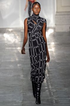 See the complete Peter Pilotto Fall 2011 Ready-to-Wear collection.