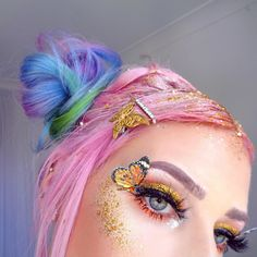 Image discovered by Nurugal on We Heart It Zombie Walk, Dinner Themes, Masquerade Ball, Makeup Goals, Costume Makeup, Colorful Makeup, Manicure, Halloween Costumes, Braids