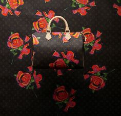Louis Vuitton, Sac Speedy en toile Monogram Roses, collection hommage à Stephen Sprouse Printemps-Été 2009  © Louis Vuitton / Philippe Jumin