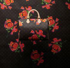 Louis Vuitton, Sac Speedy en toile Monogram Roses, collection hommage à Stephen Sprouse Printemps-Été 2009  © Louis Vuitton / Philippe Jumin