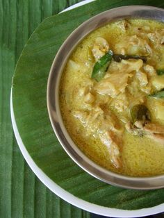 Kerala Chicken Stew is an easy Indian food recipe that makes for a good side with appam. Prepared with chicken, potato, pepper and coconut milk.