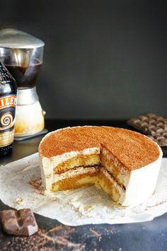Cakelets and Doilies: Baileys Tiramisu Cake