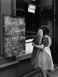 Vintage Paris Bakery Photo...that baguette!!