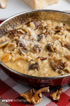 Mushroom Risotto, Cheeseburger Chowder, Stuffed Mushrooms, Curry, Food And Drink, Chef Food, Soup, Cooking Recipes, Tasty