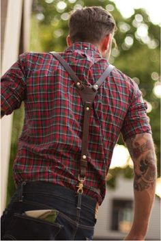 Solid set of suspenders. I'd never seen them with the clip for the loops like that. Very cool.