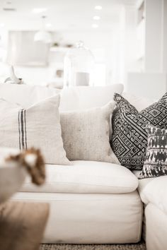 Styling a White Couch Styling our Restoration Hardware Cloud Couch with some color different textured pillows and a vintage textile Home Living Room, Restoration Hardware Living Room, Bedroom Design, Couch Decor, White Couch Decor, Linen Couch, White Couches, Couch, Living Room Pillows