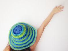 rakavichka.blogspot.com crochet summer hat wide brim sun protection sea beach turquoise blue green yellow