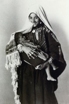 Palestine, 1920. Mother and her baby.