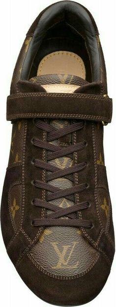 Louis Vuitton Mens Globe-Trotter sneaker in Monogram Canvas Suede 2 Hot Shoes, Men's Shoes, Shoe Boots, Sneakers Fashion, Fashion Shoes, Mens Fashion, Fashion Outfits, Louis Vuitton Shoes, Louis Vuitton Handbags