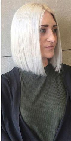 Straight Thick Hair, Straight Bob Haircut, Blonde Bobs, Bob Cut, Bob Hairstyles, Hair Cuts, Hair Styles, Fitness, Fashion