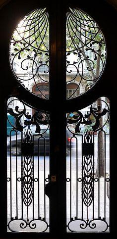 Art Nouveau door - the upper portion makes me swoon! I have a PASSION for Art Nouveau! Architecture Art Nouveau, Art And Architecture, Architecture Details, Cool Doors, Unique Doors, The Doors, Front Doors, Art Nouveau Arquitectura, Design Art Nouveau