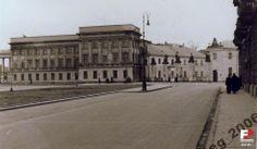 Lata 1939-1944 , Lata II WŚ - odcinek placu Piłsudskiego z fragmentem Pałacu Saskiego.