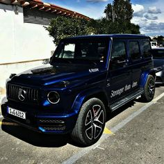 The new G-class ♥♥ Mercedes Brabus, Mercedes G Wagon, Mercedes Benz Trucks, Mercedes Benz G Class, Mercedes Benz Cars, Top Luxury Cars, Luxury Suv, Lux Cars, Motor Car