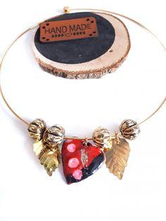 fd1eb188410 Collier ras de cou rond doré médaillon coeur pâte polymère rouge noire  rose