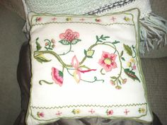 Hand crochet pillow...I adore vintage things! $2.00 makes me fall in love even more!