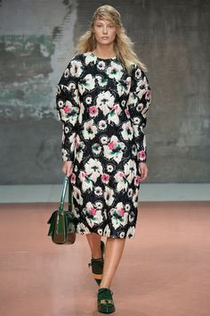 Marni | Fall 2014 Ready-to-Wear Collection | yes, it does make you look fat indeed.