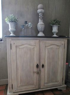 Meuble repeint et c rus meubles pinterest shabby for Decaper meuble peint