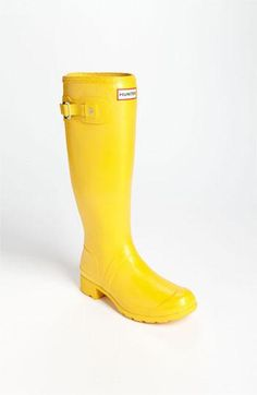 A classic, bright rain boot on-the-go! Packable Hunter boots.