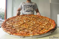 SIZE does matter...30 inch Pizza!!!