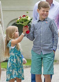 Josephine de Dinamarca, preciosa y desatada, 'reina' en la real parada de jinetes en Gråsten - Foto 3