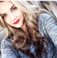 Hair Color Ombre Reverse Balayage 39 New Ideas Reverse Ombre Hair, Reverse Balayage, Hair Color And Cut, Ombre Hair Color, Hair Colors, Hair Shadow, Ash Blonde Hair, Light Blonde, Great Hair