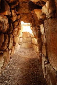 Tomba di Giganti Osono-Triei  Interno della tomba