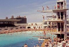 Outdoor Swimming Pools were great, I wonder why don't we have them anymore. We used to go to this one in Portobello.